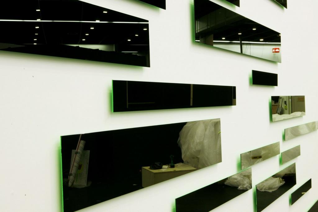 julia b nnagel persistence of loss. Black Bedroom Furniture Sets. Home Design Ideas